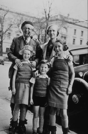 La famille Piaget vers 1936.