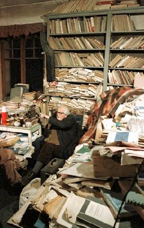Au bureau à Pinchat, en 1979