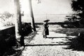 En 1900, dans le jardin des Poudrières
