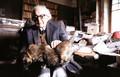 """Jean Piaget avec """"le chat"""" en 1979"""